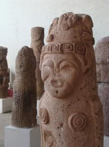 Zij was tijdelijk uitgeleend aan het Louvre in Parijs, maar nu weer terug in Gregorio Aguilar Barea Archaeological Museum